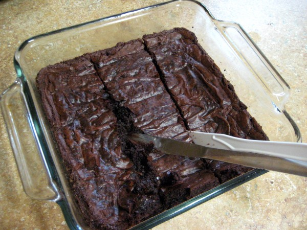 How to Cut Warm Brownies