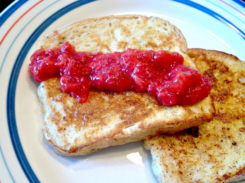 French Toast with Strawberry Sauce