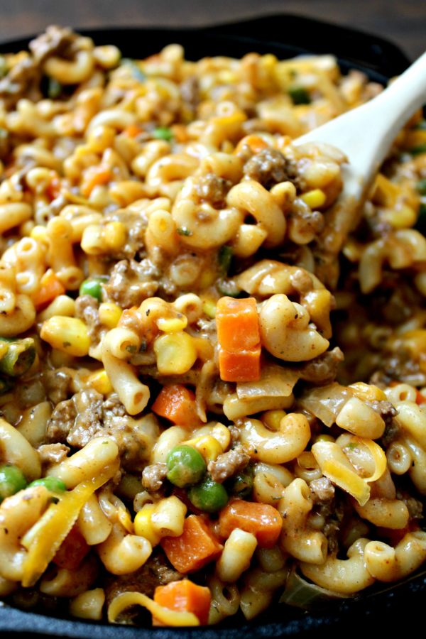 Skillet Cheesy Beef and Veggie Macaroni