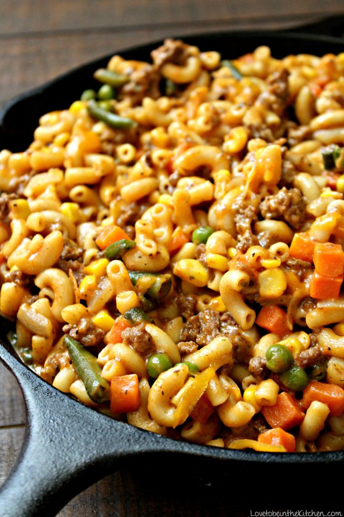 skillet cheesy beef and veggie macaroni love to be in the kitchen